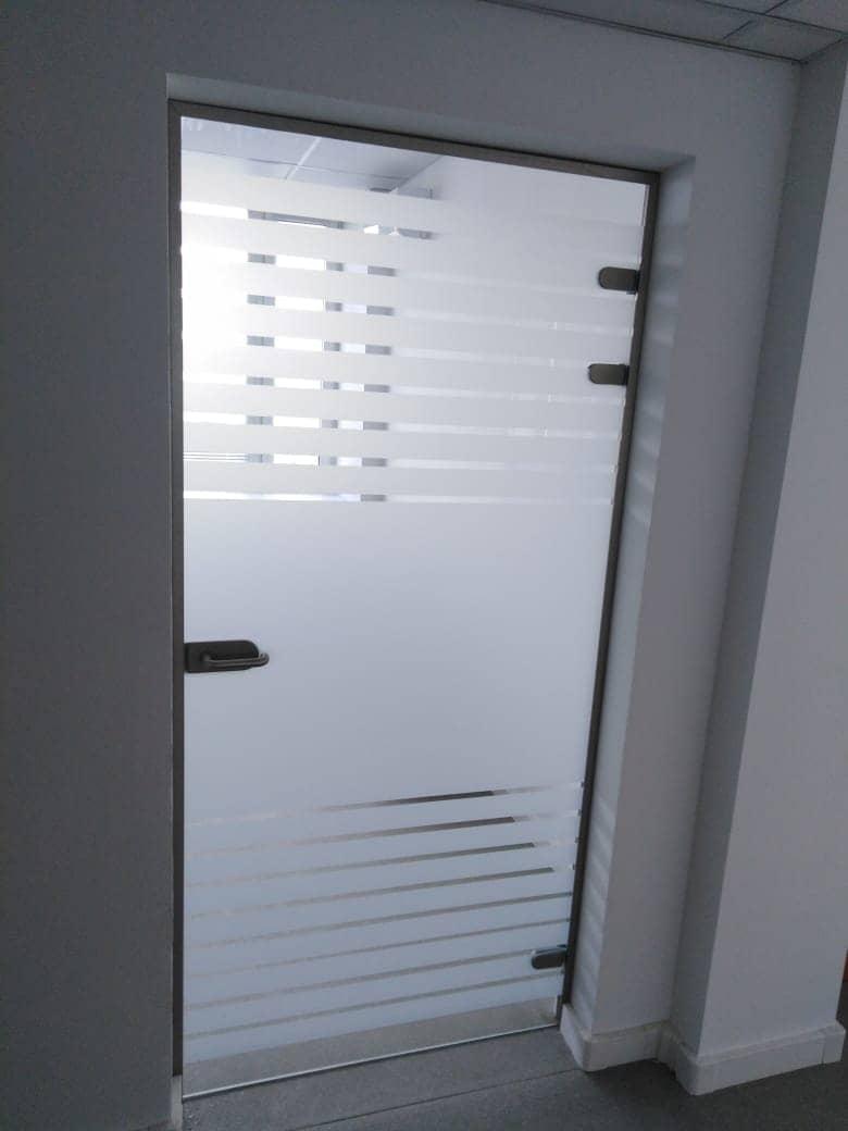 Click to enlarge image steklyannye-matovye-dveri-1.jpeg