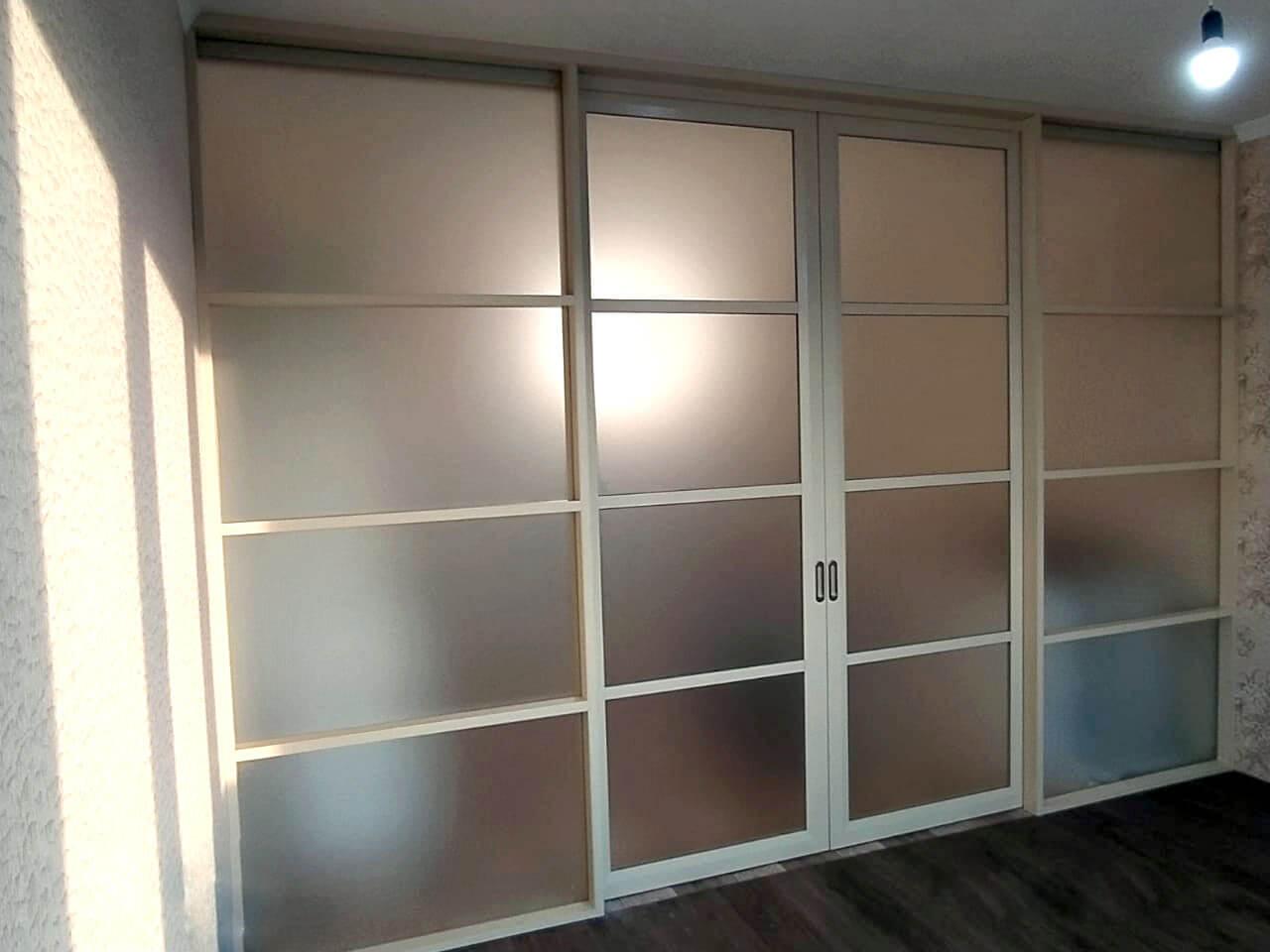 Перегородка в квартире с откатными дверьми