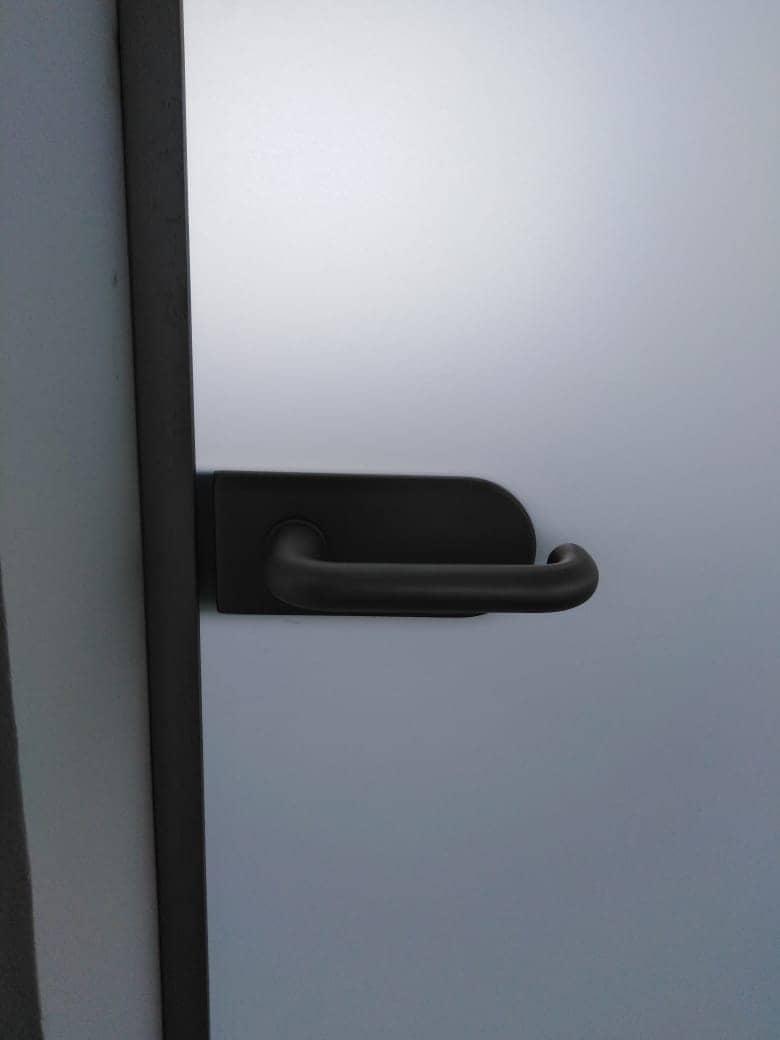 Click to enlarge image steklyannye-matovye-dveri-2.jpeg
