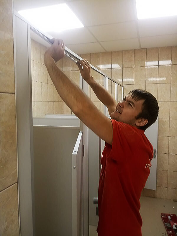 montazh tualetnih kabinok 5